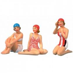 Strand Frau sitzend - 7 cm (3 sortiert)
