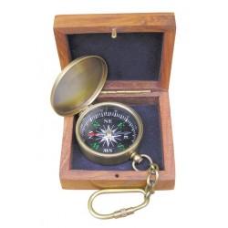 Schlüsselanhänger aus Messing Kompass im Feld antik-look