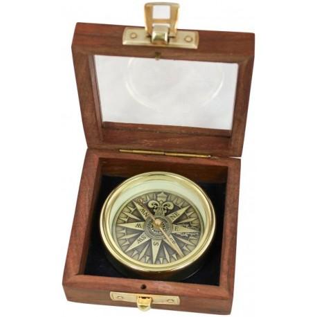 Kompas met 3D-windrose in kistje