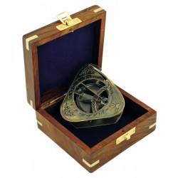 Zonnewijzer & kompas in kistje